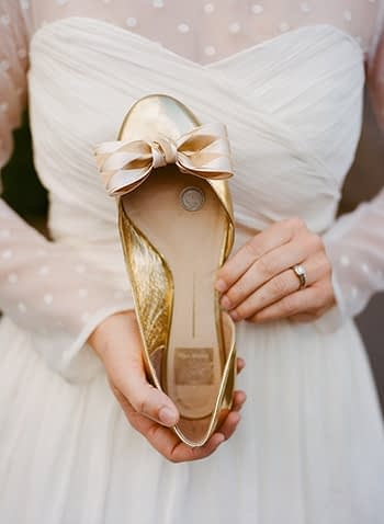 scottish wedding in perth sixpence in shoe