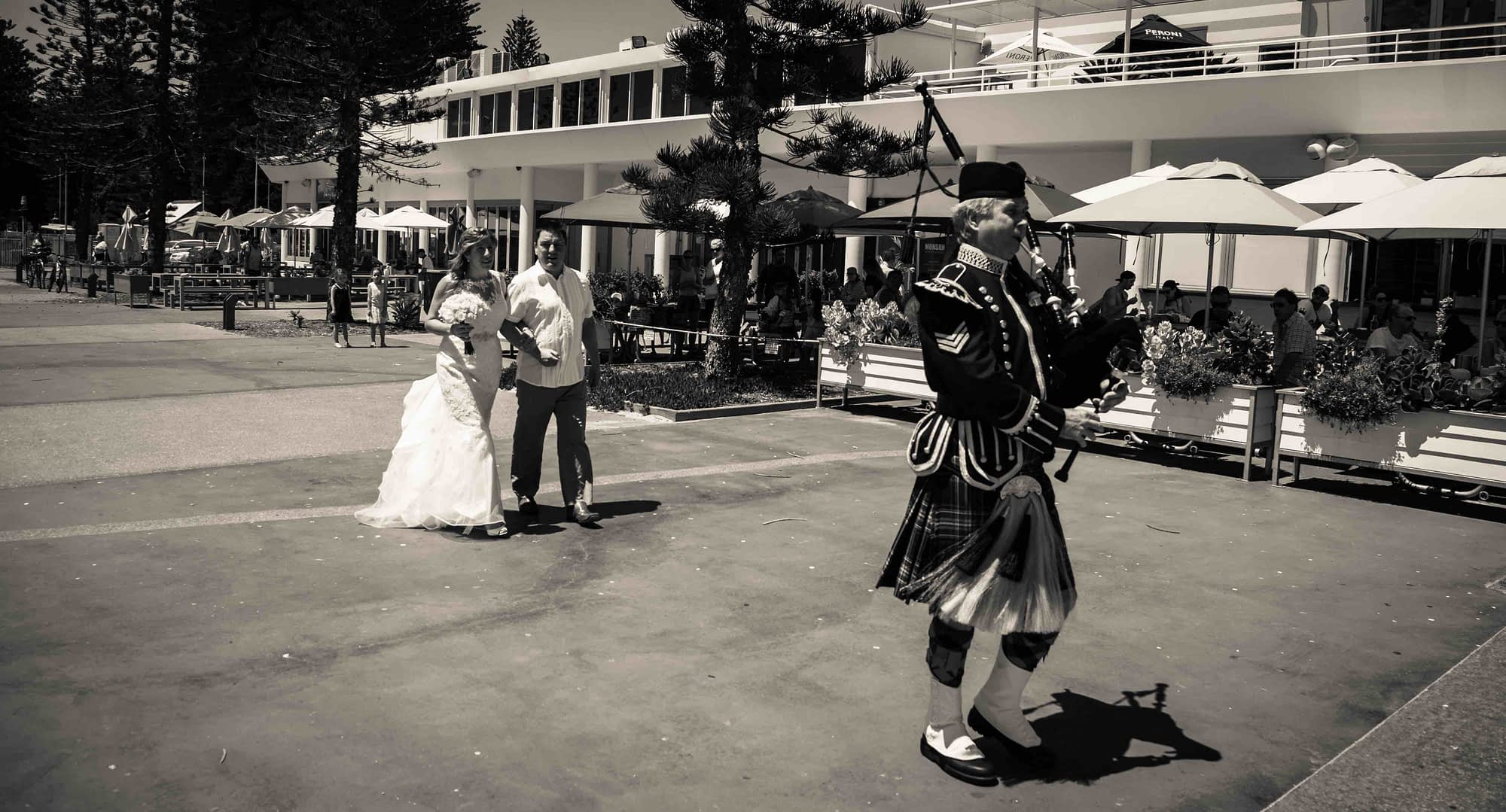 scottish wedding in perth piper